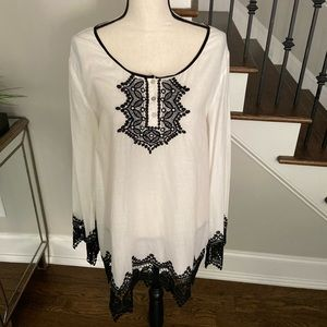 Max Studio White Tunic Shirt with Black Lace-XL